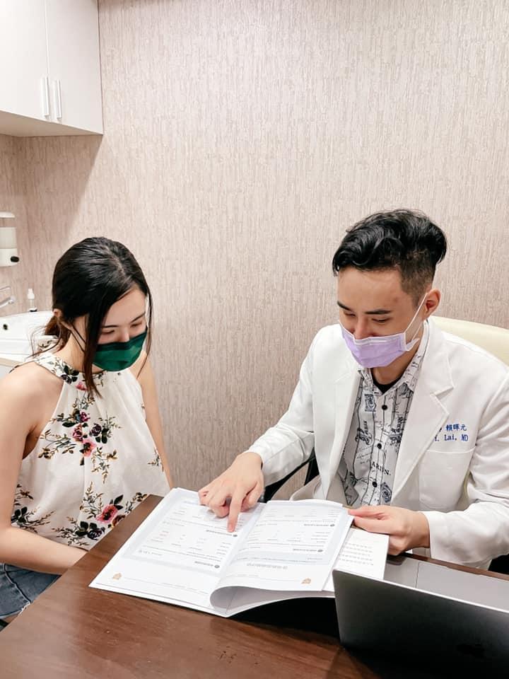 【ZField肌力塑】星和診所/台北醫美-賴暉元醫師-做一次療程等於做3萬多次仰臥起坐, 做肌力塑時會覺得肚子酸酸的, 就像運動完的感覺那種。Dora 妍希